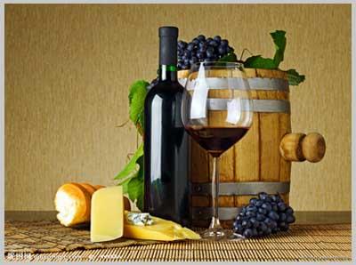 多吃番茄、喝红酒预防前列腺癌